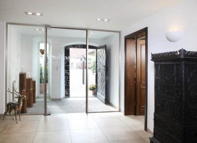 Glazen binnendeur en wand