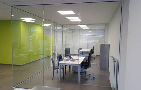 Glazen wanden kantoor