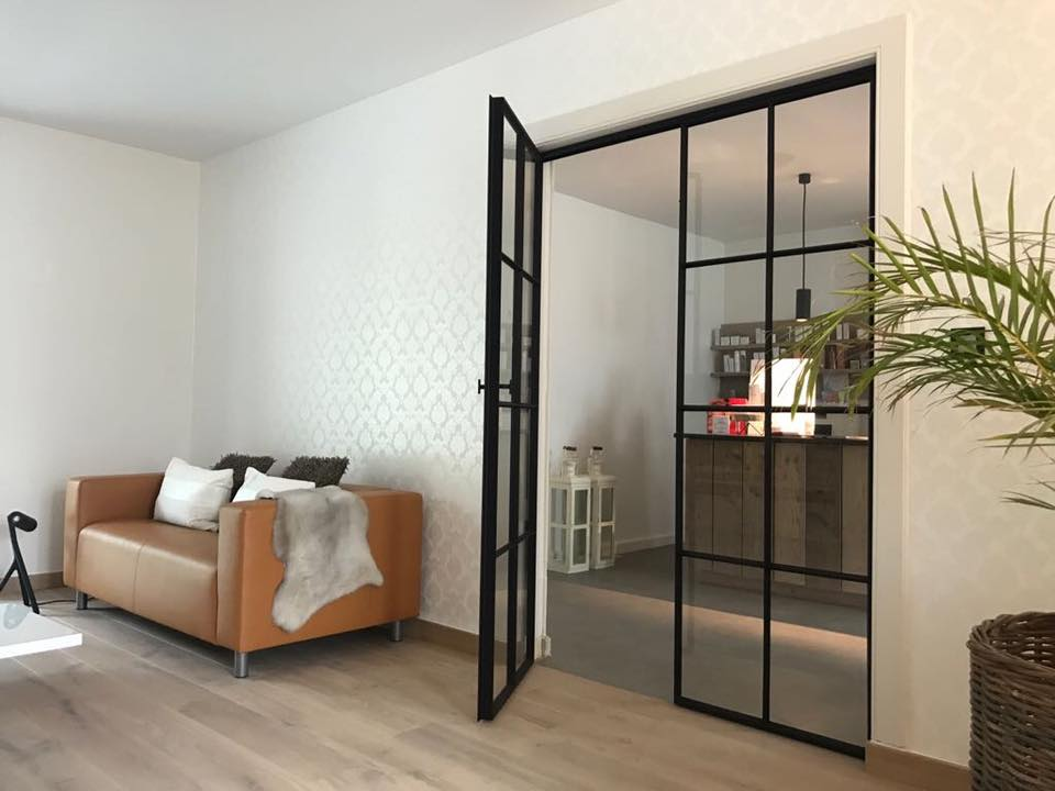 steellook glazen deur in wand
